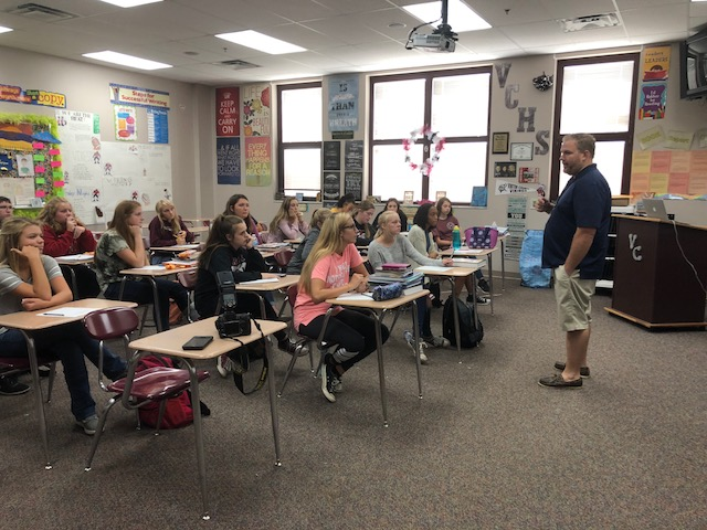 Tom McManis visits Yearbook class